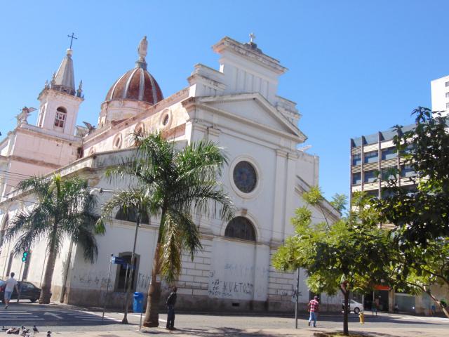 Catedral Metropolitana de Campinas, um dos ícones do patrimônio arquitetônico local, palco final da Marcha da Família a 7 de abril de 1964 (Foto José Pedro Martins)