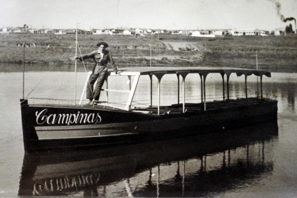 Na Lagoa do Taquaral o Seo Rubens aprendeu a remar no barco do tio (Reprodução Adriano Rosa)