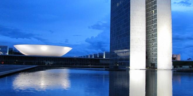 FIESP e movimentos sociais debatem reforma política, que encontrará barreiras