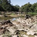 Rio Atibaia, um dos formadores da bacia do rio Piracicaba, de onde saem as águas para o Sistema Cantareira: crise histórica em 2014 (Fotos Adriano Rosa)
