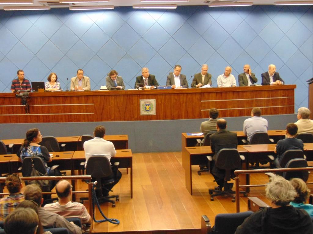 Vereadores, secretários municipais e várias organizações participaram da audiência pública