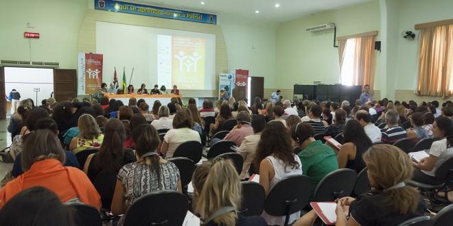 Redes comunitárias, desafio global para acolhimento familiar segundo colóquio em Campinas