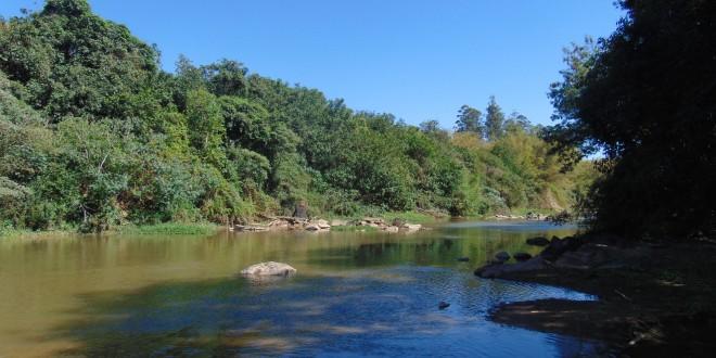 Vazão do rio Atibaia em Campinas cai 28 mil litros por segundo em quatro dias