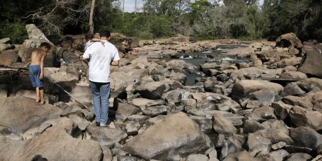 Paisagem do rio Atibaia volta à desolação em Campinas e abastecimento preocupa