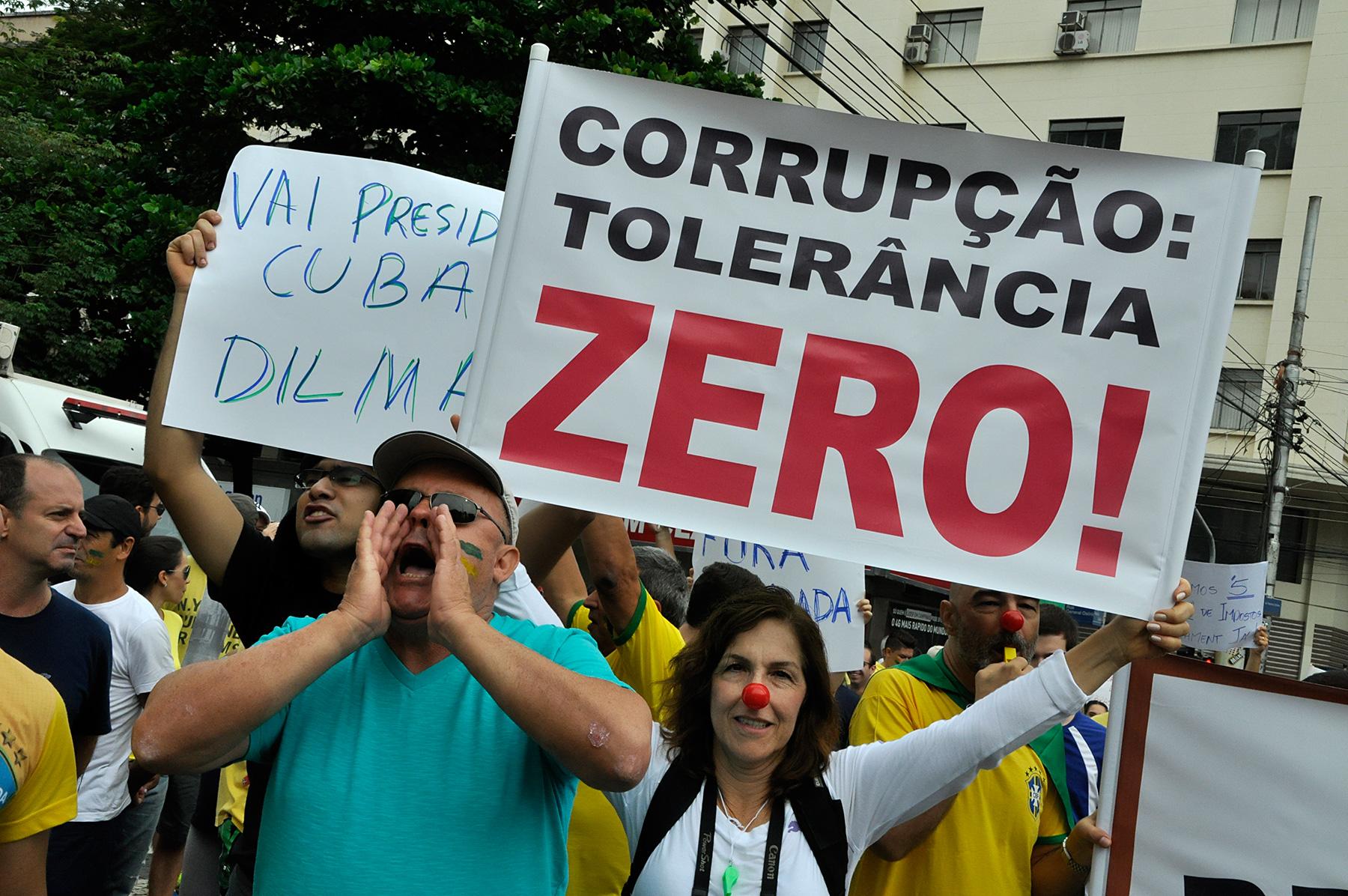 Resultado de imagem para manifestações contra a corrupção
