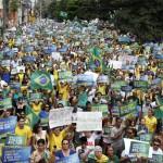 Milhares foram às ruas em Campinas neste domingo (Foto Adriano Rosa)