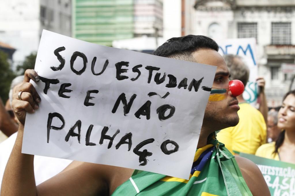 Estudantes também presentes nas manifestações em Campinas (Foto Adriano Rosa)