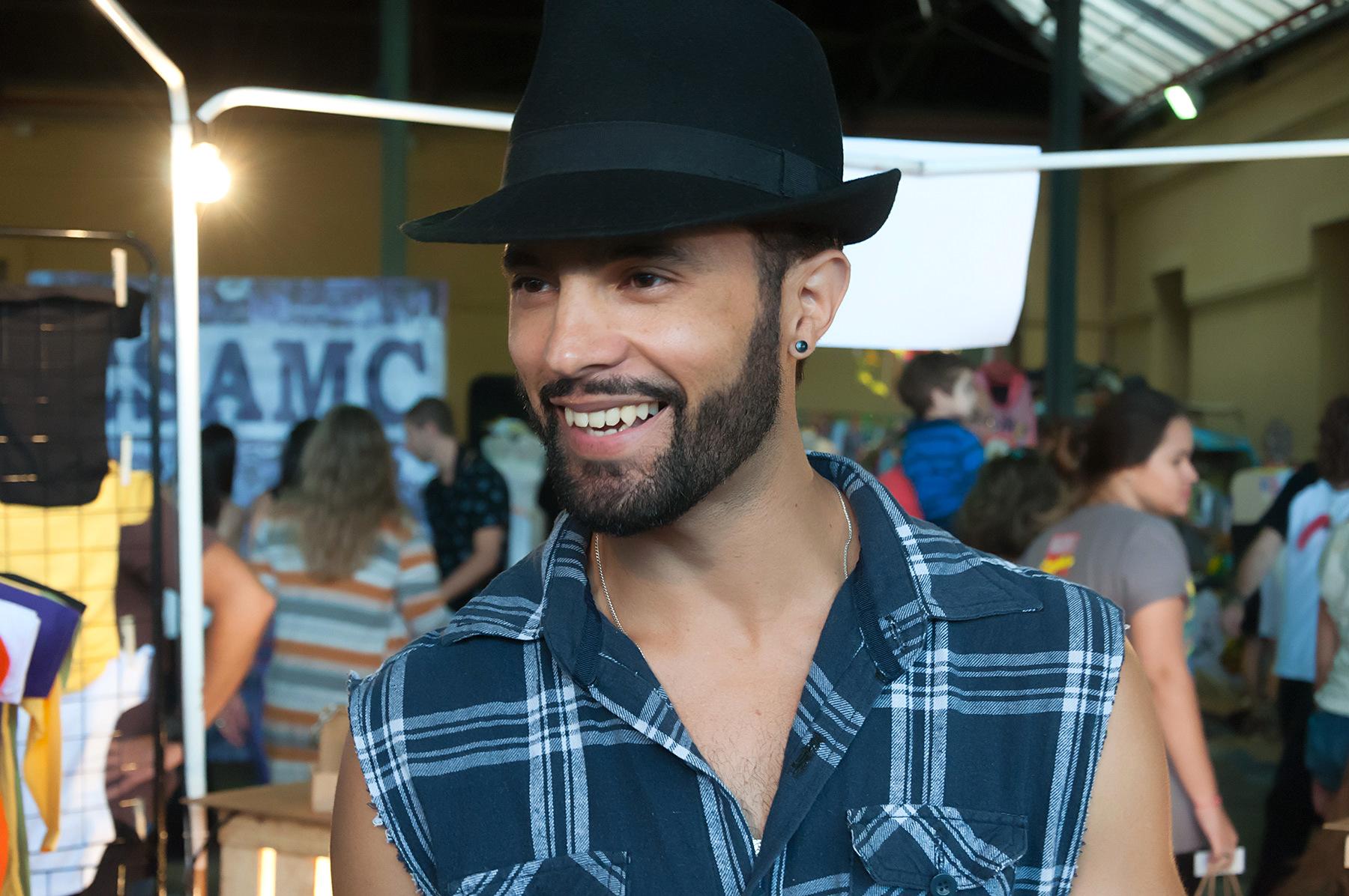 d5fb66fc7 Valter Lucas, expositor da marca Man Pirates, de acessórios masculinos: na  dança da