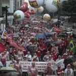 Milhares em São Paulo em defesa da Petrobras (Foto Marcelo Camargo/Agência Brasil)