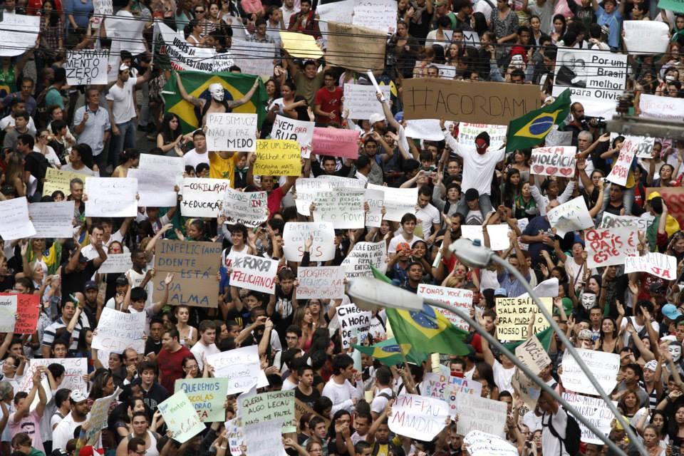 Manifestação de junho de 2013 em Campinas: ecos do Maio de 68 (Foto Adriano Rosa)