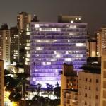 O Palácio dos Jequitibás, azul pelo autismo em 2015 (Foto Adriano Rosa)