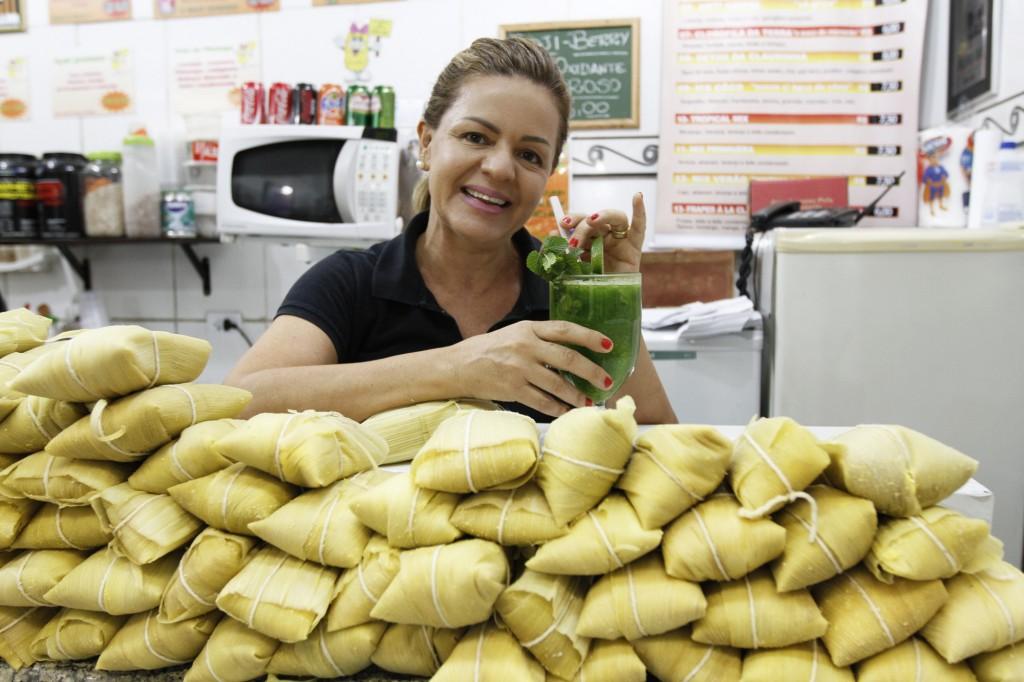 Claudia e suas iguarias: pamonhas e sucos deliciosos