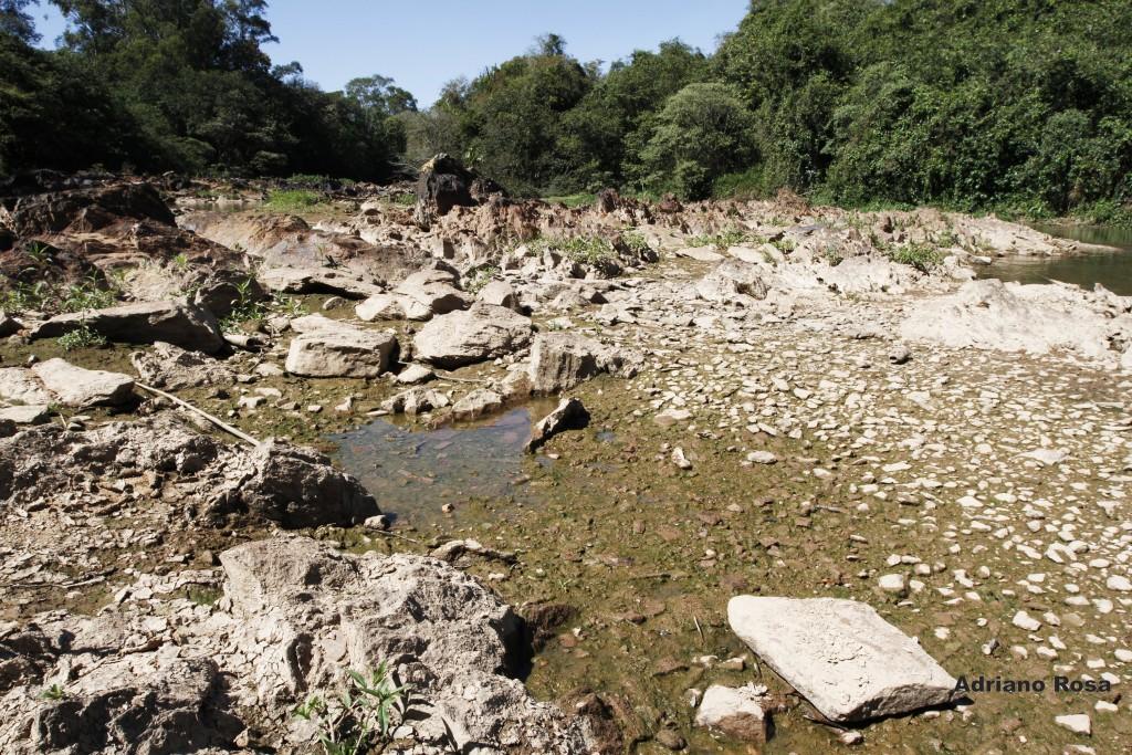 Rio Atibaia, Campinas, 2014: meio ambiente é novo front de lutas no século 21 (Foto Adriano Rosa)