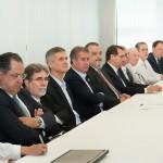 Autoridades e cientistas presentes na apresentação do Centro de Pesquisas (Fotos Martinho Caires)