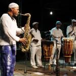 Sax e percussão: a sonoridade singular do Alabê em Campinas (Fotos Adriano Rosa)