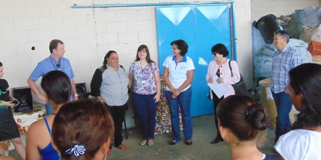 Cooperativa de recicláveis de Campinas tem esteira para ampliar produção e renda