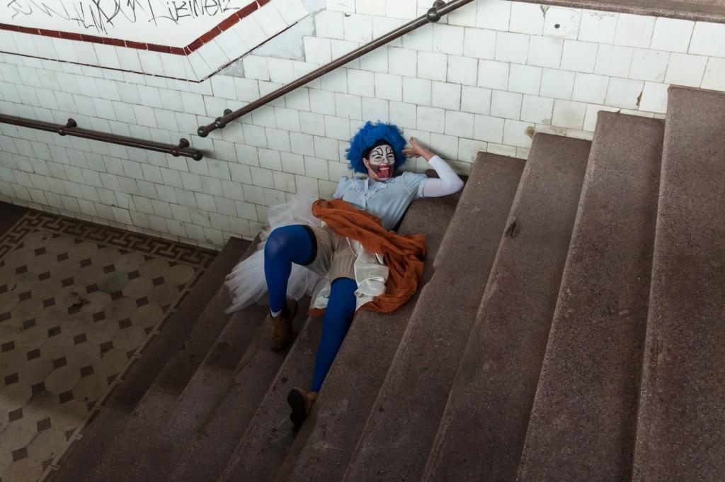 """As históricas escadarias da estação também ocupadas pelas """"Presepadas"""""""