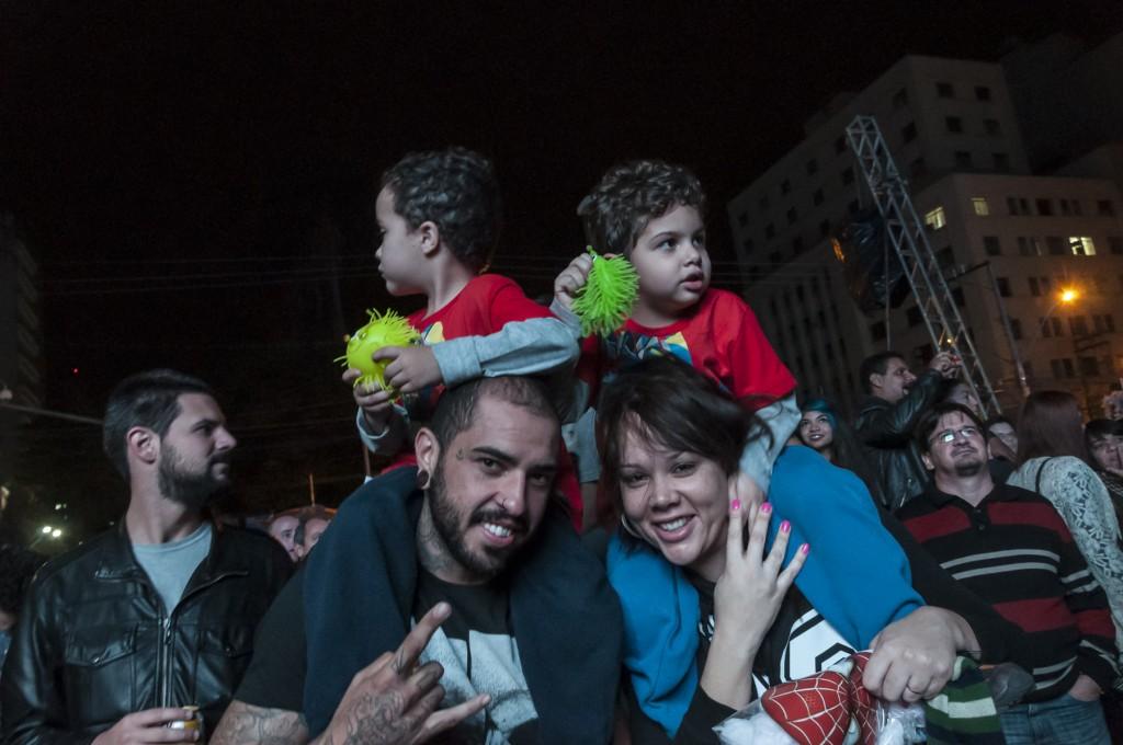 Pais e filhos no centro: sonho realizável, como mostrou a Virada Cultural