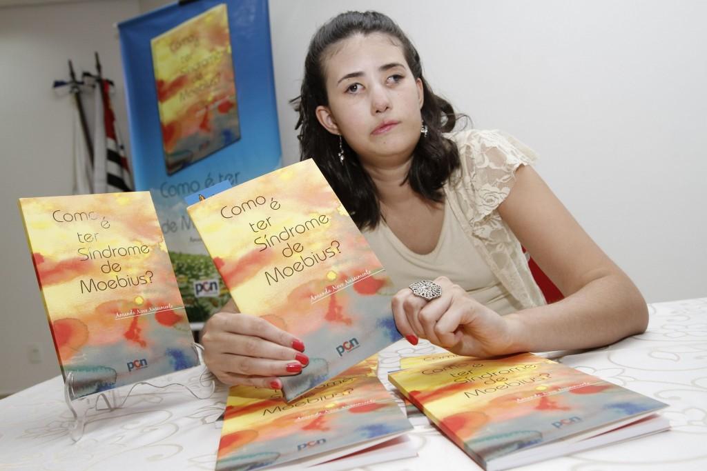Livro já foi lançado em Campinas e agora estará em Pernambuco (Foto Adriano Rosa)