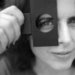 A artista visual Ana Angélica Costa lança hoje o livro 'Possibilidades da Câmera Obscura', na Livraria da Vila, no Shopping Galleria em Campinas  (Foto: Marian Staro)