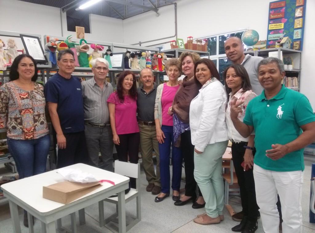 Márcia ganhou festa de despedida e comemorou entre moradores, frequentadores da biblioteca e os amigos da associação de bairro e da Secretaria de Cultura