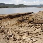Reservatórios secos do Cantareira: preocupação com crise hídrica é global (Foto Adriano Rosa)