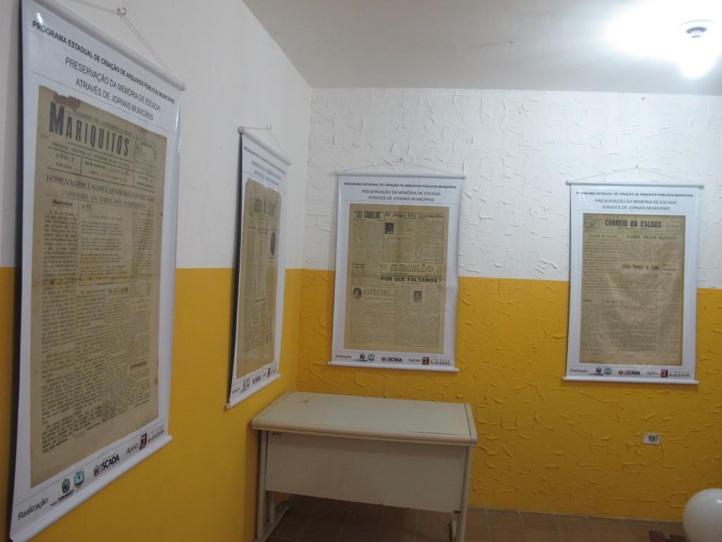 Exposição com os jornais antigos de Escada