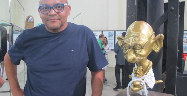 Com caricaturas em 3D, artista de Campinas ajuda a renovar linguagens no Salão de Humor de Piracicaba