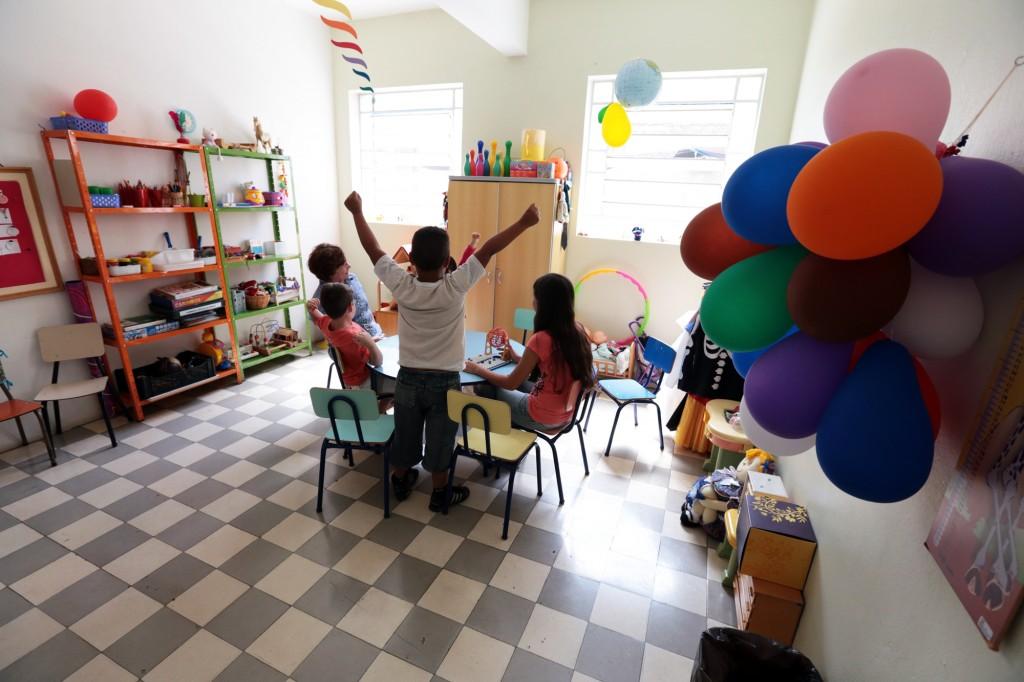 As atividades realizadas com as crianças pelo ReCriando Vínculos acontecem em salas do SOS Ação Mulher e Família, fundado em Campinas em 1980  (Fotos: Adriano Rosa)