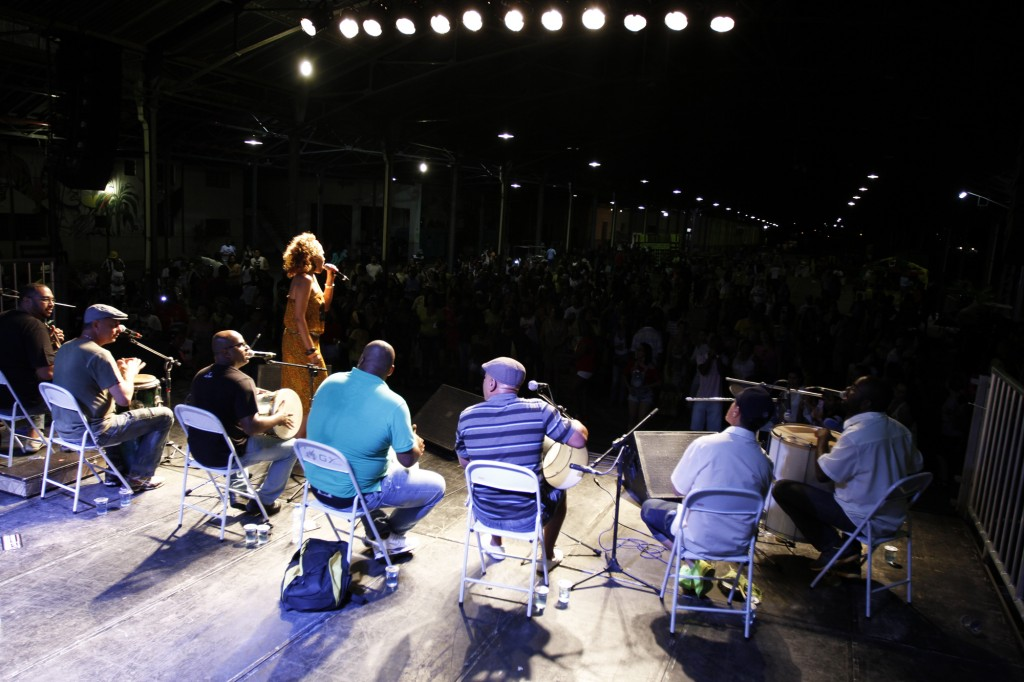 Show de Ilcéi Miriam em 2014. Além de cerca de 60 expositores, o evento oferece uma programação musical ao longo do dia, das 12h às 21h; a doação de 1 kg de alimento é opcional  (Foto: Adriano Rosa)