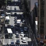 Frota de veículos no centro de Campinas: subsídios a combustíveis fósseis em discussão (Foto Adriano Rosa)