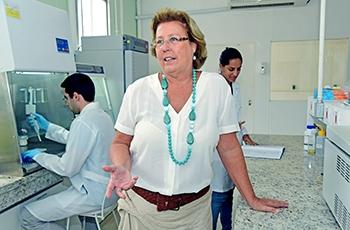 Clarice Arns, pesquisadora do IB, coordenadora da Rede Zika Unicamp (Foto Divulgação/Antonio Scarpinetti)