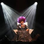 """Elza Soares no show """"A Mulher do Fim do Mundo"""", no Galpão Multiuso do Sesc-Campinas, sexta-feira (11//03)  Fotos: Adriano Rosa"""
