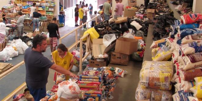 Itatiba monta central de doações para famílias atingidas por enchentes