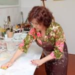 Pama Loiola, em seu processo de criação (Foto Divulgação)