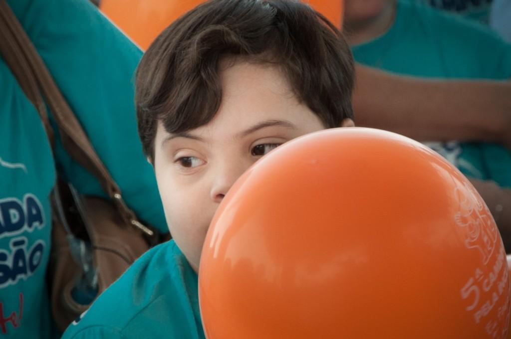 """""""É possível ter vida, talento, diversão, estudo, trabalho tendo deficiência. As leis também precisam mudar, para que haja uma rede real de garantia de defesa dos direitos das pessoas com deficiência"""", disse Emmanuelle Alkmin no evento    Fotos: Martinho Caires"""