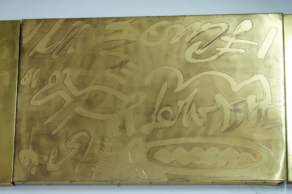 Obra que espelha a influência das pinturas rupestres do norte de Minas Gerais (Foto Martinho Caires)