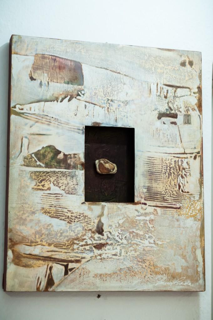 Uma pedra no meio do caminho que se transformou na primeira assemblagem de Pama Loiola (Foto Martinho Caires)