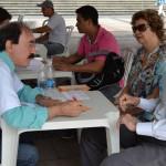 José Homero Adabo, diretor do Sescon Campinas, faz atendimento gratuito à população no Declare Certo de 2015, que este ano acontece em mais cinco cidades da região   Foto: Divulgação
