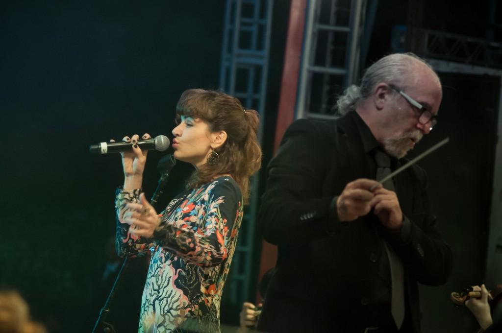 Mariana Aydar, música na veia, quatro álbuns já lançados (Foto Martinho Caires)