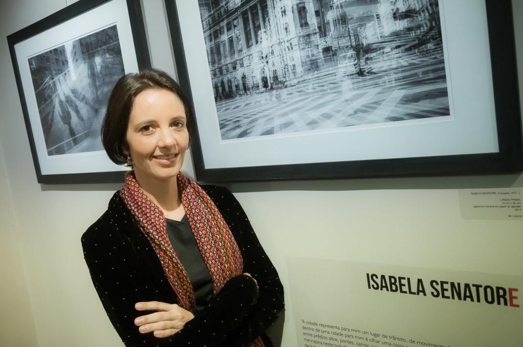Isabela Senatore: confusão urbana organizada com imagens sobrepostas (Foto Martinho Caires)