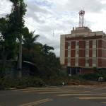 Nas proximidades da Avenida Dr.Theodureto Camargo, marcas de destruição (Foto José Pedro Martins)