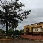 Cobertura do Educandário Eurípedes foi praticamente toda destruída, como um dos efeitos da forte tempestade  (Foto José Pedro Martins)