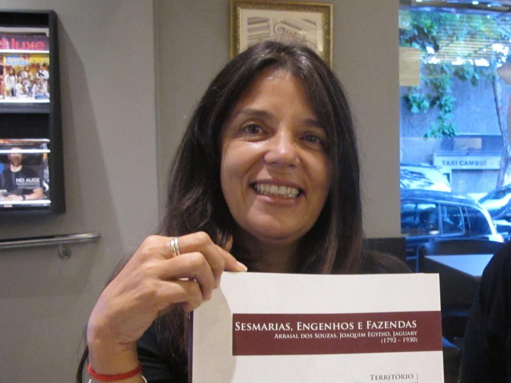A historiadora e fotógrafa Suzana Barretto Ribeiro, coordenadora da série de livros (Foto José Pedro Martins)