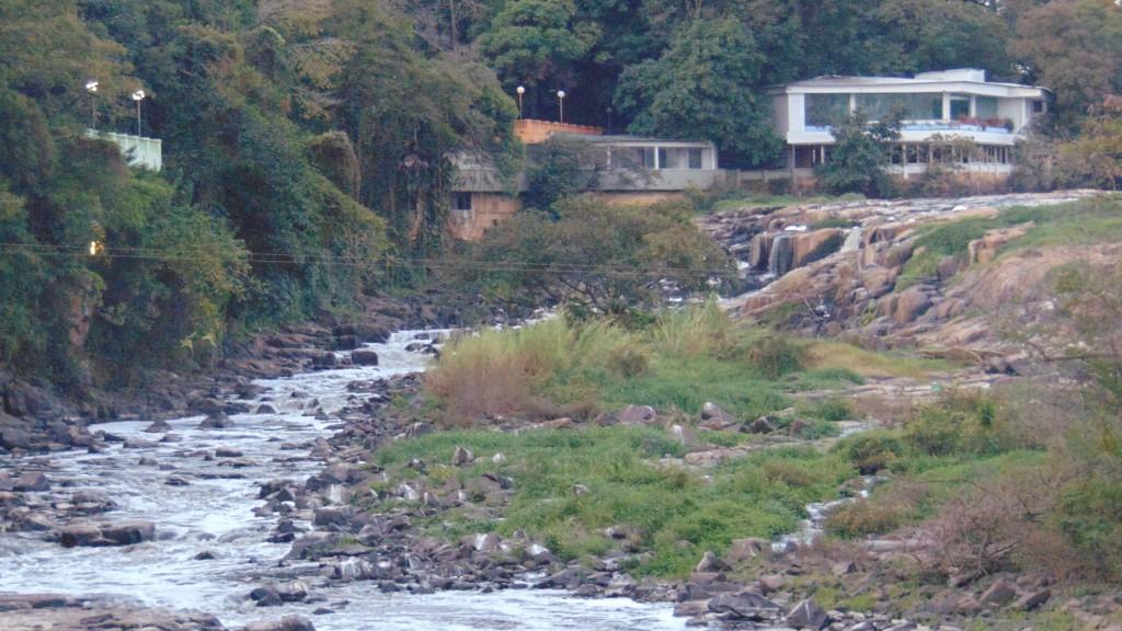 Rio Piracicaba em agosto de 2014, quase seco (Foto José Pedro Martins)