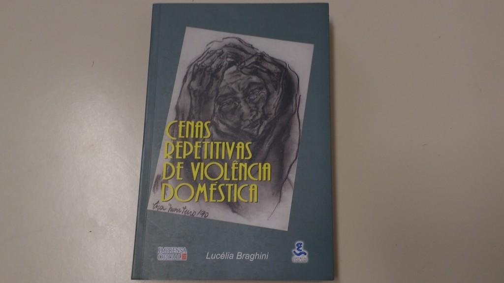Livro de Lucélia sobre violência doméstica é um clássico no tema (Foto José Pedro Martins)