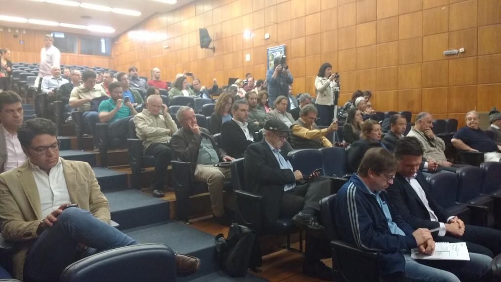 Público presente na reunião na CATI, no dia 29 de julho em Campinas (Foto José Pedro Martins)