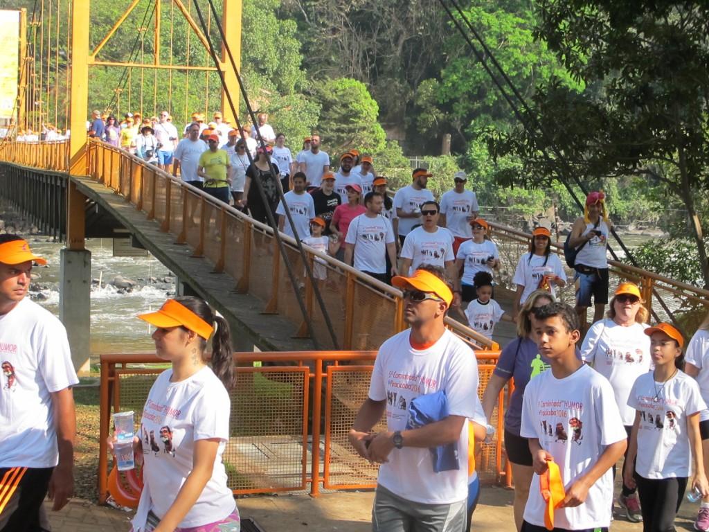 Passada pela ponte pênsil (Foto José Pedro Martins)