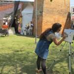 Artistas de várias cidades, como Maria Helena, de Araraquara, reuniram-se em Piracicaba (Foto José Pedro Martins)