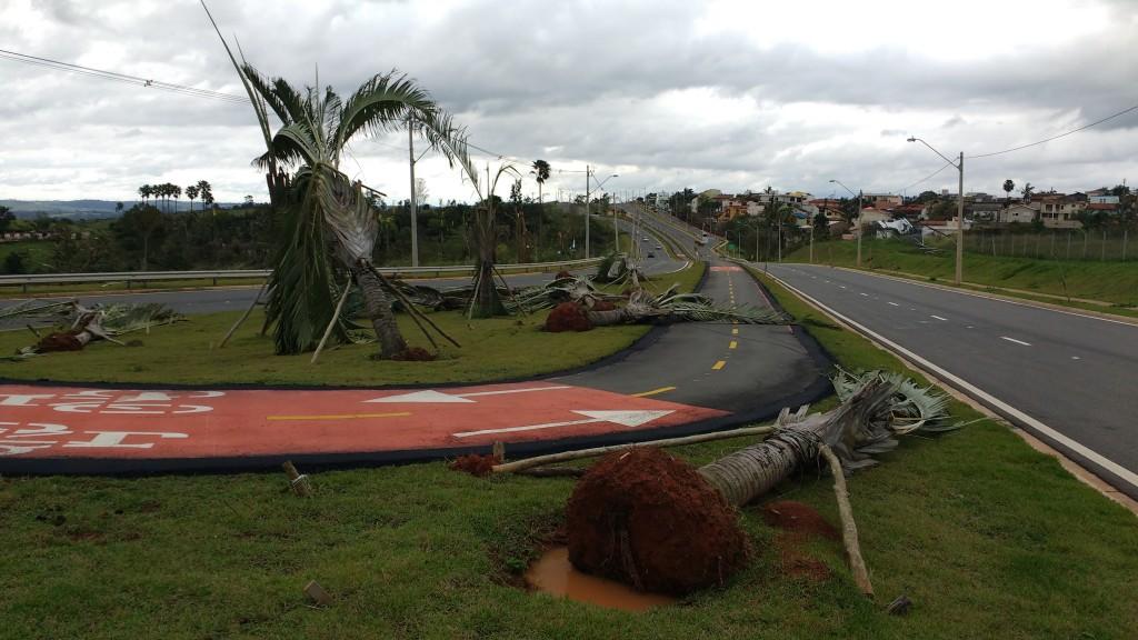 A força dos ventos, próximo ao San Conrado (Foto José Pedro Martins)